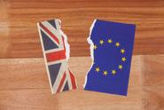 Britská vláda předpovídá vážné problémy po tvrdém brexitu