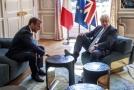 Britský premiér Johnson (vpravo) a francouzský prezident Macron.