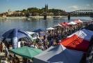 Smíchovská náplavka v Praze.