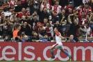 Slavia je v Lize mistrů! Výhru v odvetě vystřelil Bořil.