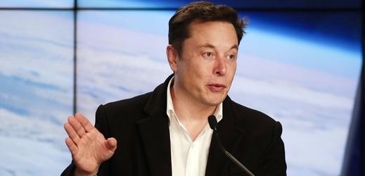 Starship vyvíjí společnost SpaceX, kterou vlastní Elon Musk.