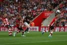 United na hřišti oslabeného Southamptonu výhru nezískal.