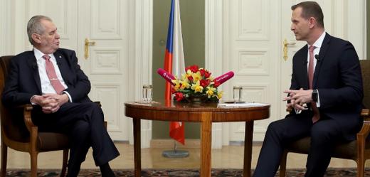Týden s prezidentem: exkluzivní vyjádření Zemana ke kauze Čapí hnízdo.