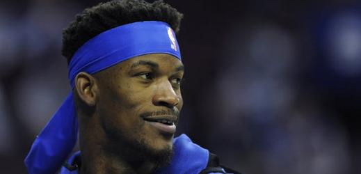 """""""Nindžovské"""" čelenky nosil například basketbalista Jimmy Butler."""