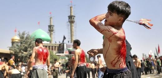Šíitští muslimové si připomínají smrt vnuka proroka Mohameda imáma Husajna.