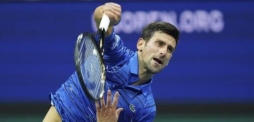 Novak Djoković kvůli levému rameni vzdal osmifinále US Open se Stanem Wawrinkou.