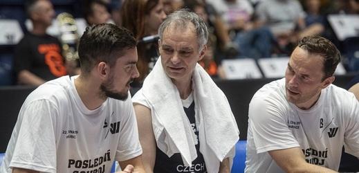 Kdo fandí basketbalistům? Jágr i herci Dejvického divadla.