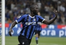 Terčem poznámek se stal útočník Interu Milán Romelu Lukaku.