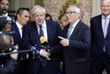 Předseda Evropské komise Jean-Claude Juncker (vpravo) s britským premiérem Borisem Johnsonem.