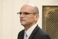 Soudce Elischer chtěl ovlivnit svědkyni. Pomsta, reagoval