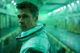 Brad Pitt podává jeden z nejlepších výkonů své kariéry.