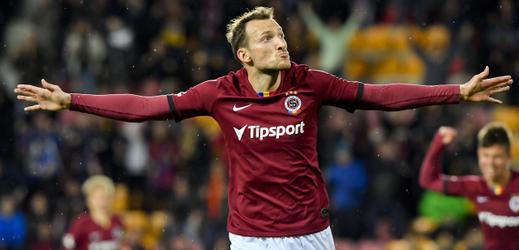 Libor Kozák ze Sparty se raduje z gólu.