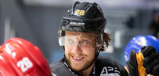 Pastrňák odstartoval v NHL gólem obrat Bostonu.