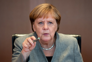 Merkelová vyzvala Erdogana k zastavení intervence v Sýrii