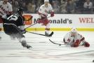 Český hokejový útočník Martin Nečas rozhodl v úterním utkání NHL vítěznou brankou o výhře Caroliny 2:0 v Los Angeles.