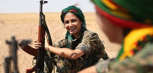 Kurdská bojovnice.