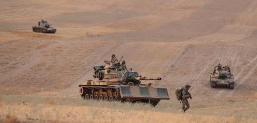 Turecká armáda v severní Sýrii.