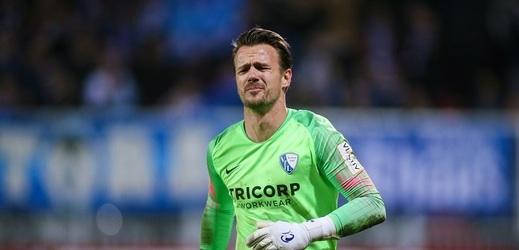 Fotbalista se rozcvičoval, přitom zavinil penaltu.