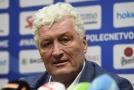 Trenér českých hokejistů Miloš Říha na tiskové konferenci.