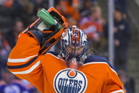 Brankář Edmontonu Mike Smith.