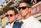 Matt Damon (zleva) a Christian Bale ve filmu Le Mans '66.