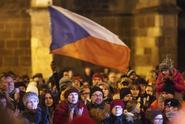 Více než polovina Čechů je hrdá na své občanství