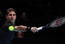 Federer díky výhře nad nováčkem drží naději, Djokovič válí.