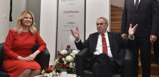 Miloš Zeman se Zuzanou Čaputovou otevřeli Český dům.