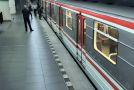 Agresivní útok sprejerů na pražské metro.