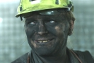Film Nová šichta sleduje příběh bývalého horníka Tomáše.