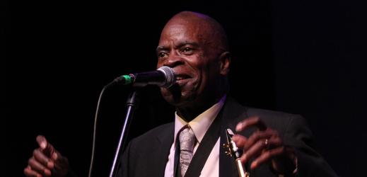 Legenda funk saxofonu Maceo Parker.