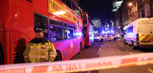 Chaos v centru Londýna.