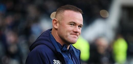Rooney začal v Derby jako asistent, fanoušci jásali.