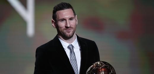 Messi zpět na trůně. Argentinec získal rekordní šestý Zlatý míč.