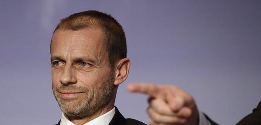 Předseda UEFA šokoval: Je to chaos, nejsem fanouškem videa.