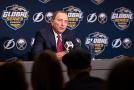 """""""Horká linka"""" i školení trenérů. NHL zasahuje proti šikaně."""