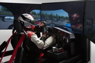 My Race Pilotování Formule 1 v simulátorové aréně.