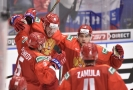 Hokejisté Ruska slaví výhru nad Švédskem.