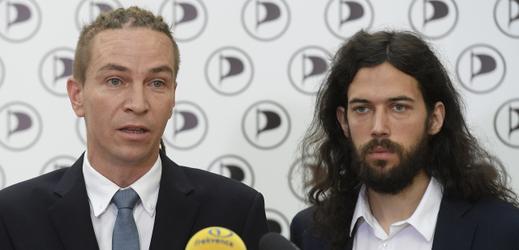 Ivan Bartoš a Mikuláš Ferjenčík (zleva).