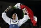 Olympijská medailistka Kimía Alizadeh Zenúrinová.