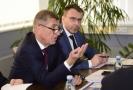 Zleva premiér Andrej Babiš a odvolaný ministr dopravy Vladimír Kremlík.