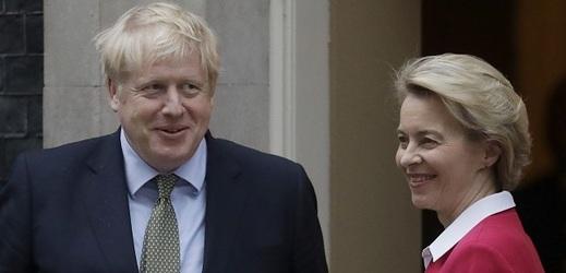 """Padly poslední překážky na cestě k """"rozvodu"""" Velké Británie s Evropskou unií"""