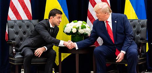 Žalobci se v Senátu USA: Trump nutil Ukrajinu k pomoci při svých podvodech