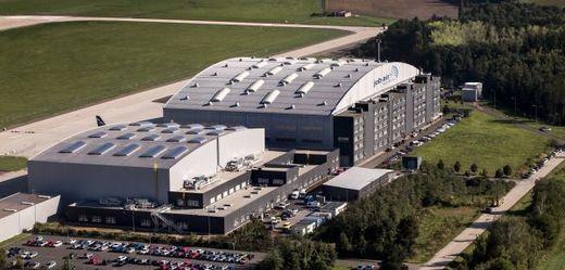 Nový opravárenský hangár.