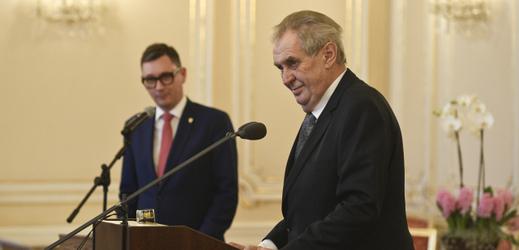 Miloš Zeman a Jiří Ovčáček (v pozadí).