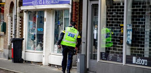 Policie vyšetřuje nahlášené bomby.