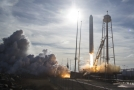 K ISS odstartovala nákladní loď Cygnus se zásobami.