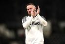 Čtyřiatřicetiletý anglický fotbalový útočník Wayne Rooney stylově oslavil 500. start v ligových soutěžích na britských ostrovech.