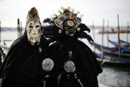 Přes 130 nakažených, zrušený benátský karneval a fotbalové zápasy