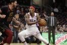 Basketbalisté Clevelandu (v bílém) porazili Philadelphii.
